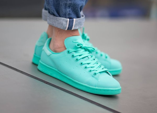 4f271a2af2599 Basket-Adidas-Stan-Smith-Adicolor-Reflective-Shock-Mint-pas-cher-600×432
