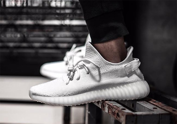 GIVEAWAY: Yeezy 350 Boost V2 White w Yeezy Talk Worldwide
