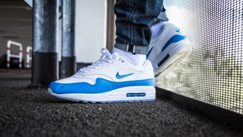 best sneakers b0d8e 23603 nike-air-max-1-premium-sc-white-blue-918354-102-mood-3