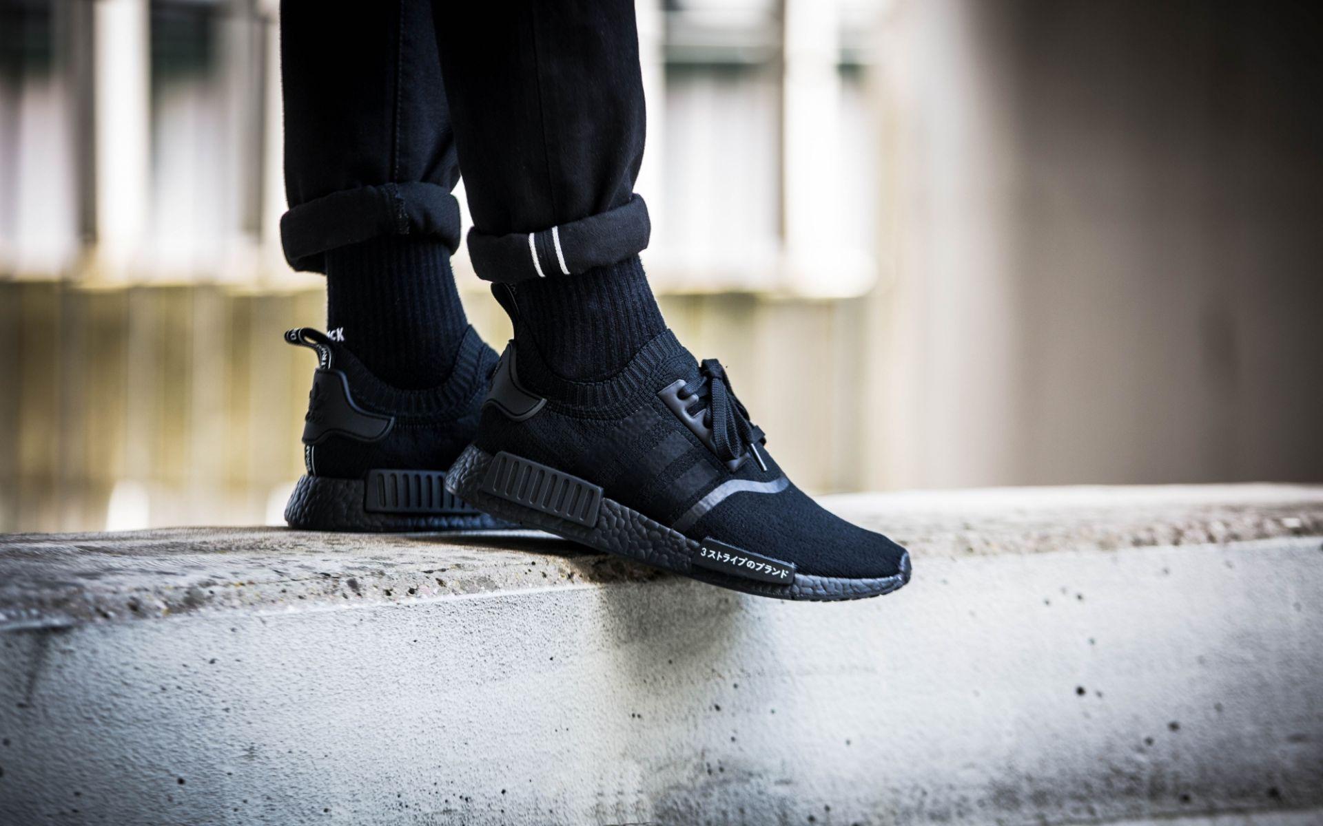 adidas-nmd_r1-pk-triple-black-japan