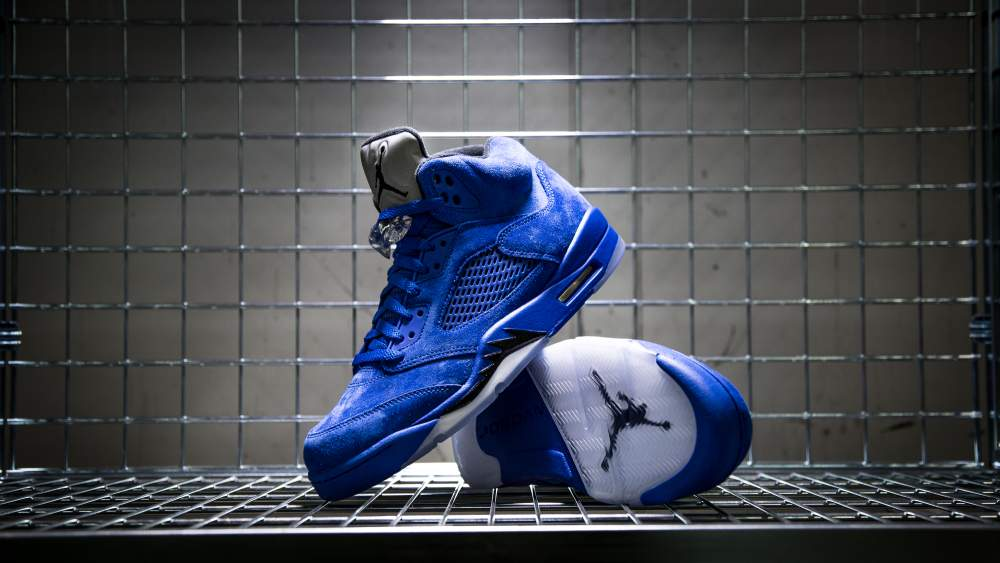 23e88818a509 nike-air-jordan-v-retro-blue-suede-136027-401-mood-1 - Sneaker Myth