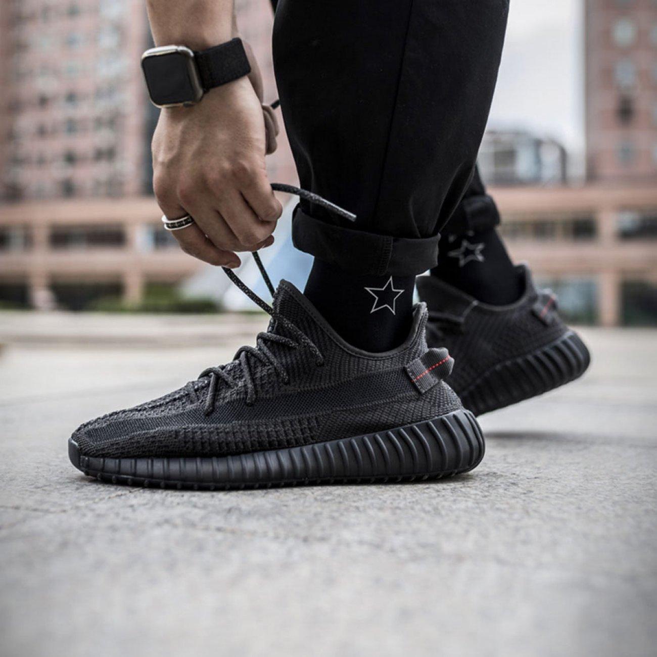 yeezy 350 static black